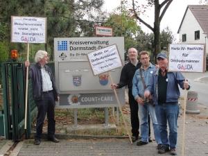 GALIDA-Protest vor der Kreisagentur für Beschäftigung Darmstadt-Dieburg im September 2012